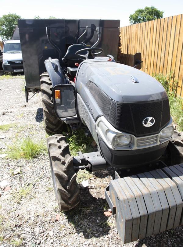 Kubota tractor powered Olympia 500