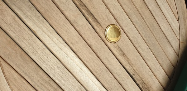 Slatted Round Outdoor Tables