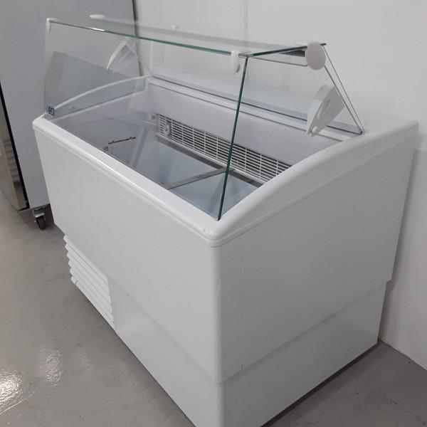 B grade ice cream freezer