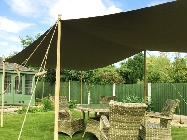 Dining shelter in cotton canvas