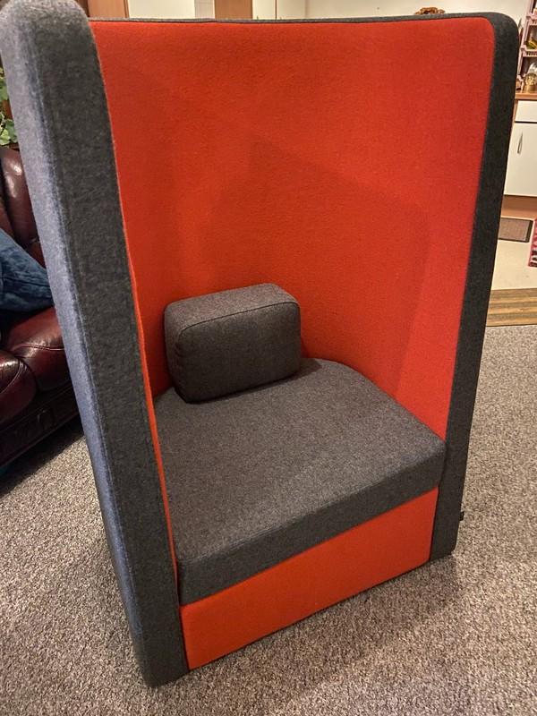 Acoustic sofa chair