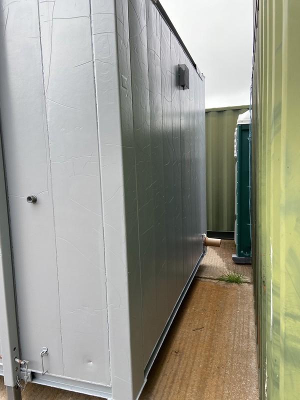 Refurbished Secondhand 2 + 1 Toilet Block