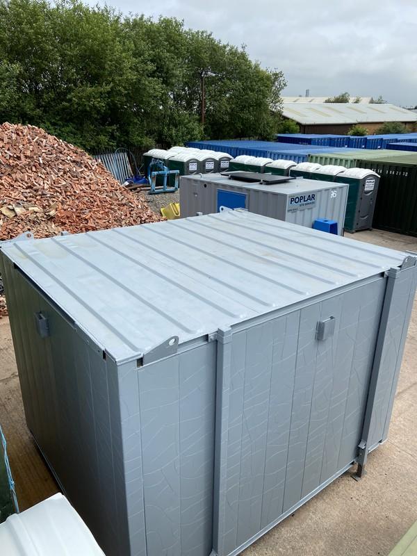 Refurbished Secondhand 2 + 1 Toilet Block For Sale