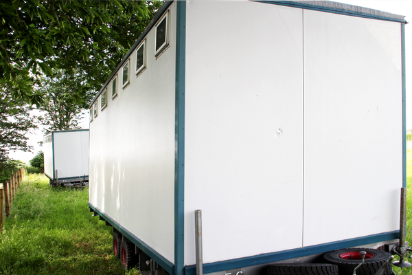 4 + 2 Toilet trailer for sale