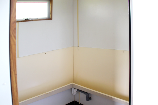 Gent's urinals in 4+1 toilet trailer for sale