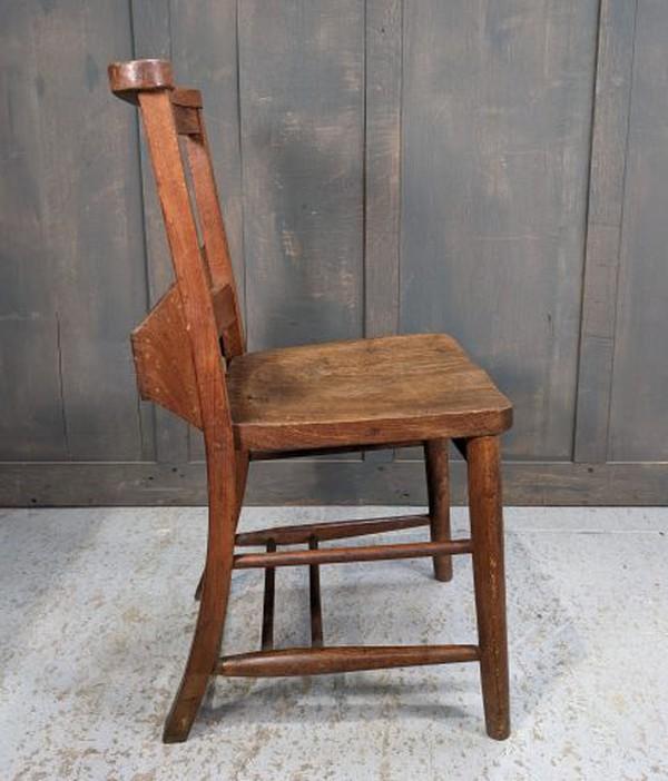 Chapel chairs with bibel shelf