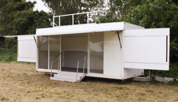 Exhibition trailer with large windows