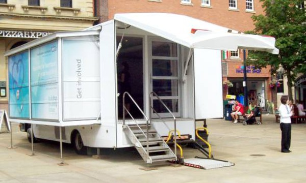 Exhibition truck with disabled access