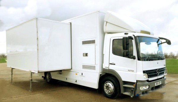 Mercedes 1218 exhibition Lorry with side outs