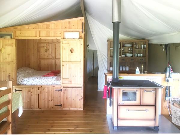 Glamping sleeping cupboard bed
