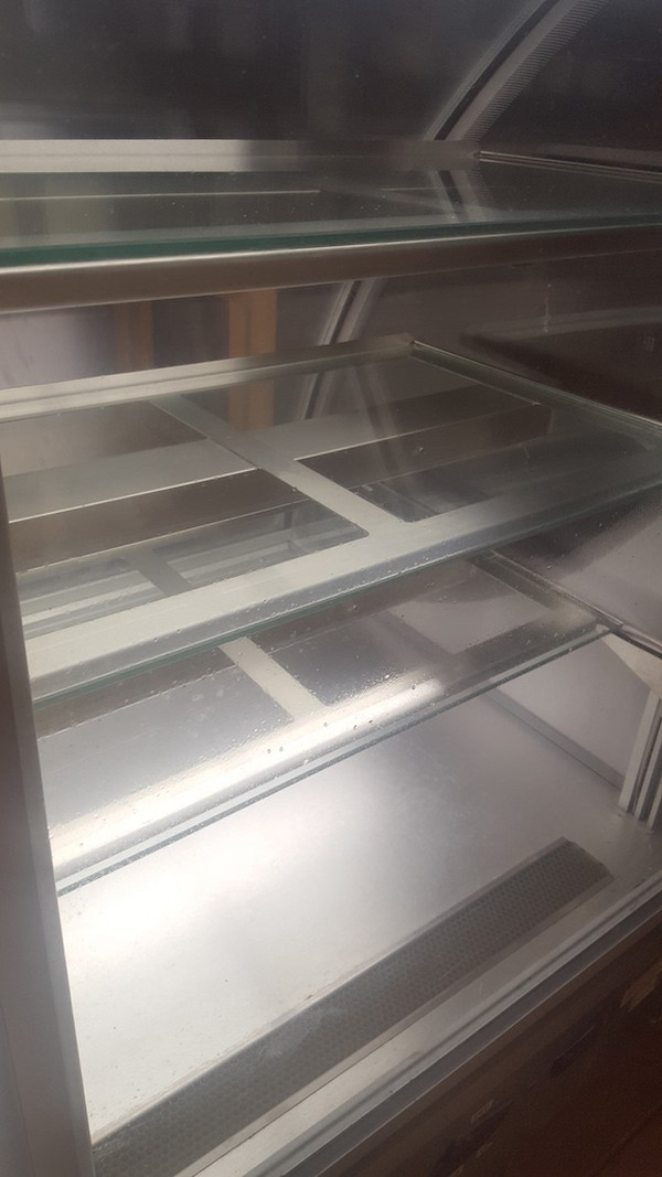 Refrigerated Patisserie / Cake Counter