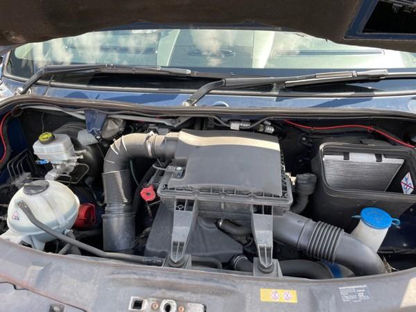Engine bay Mercedes Sprinter