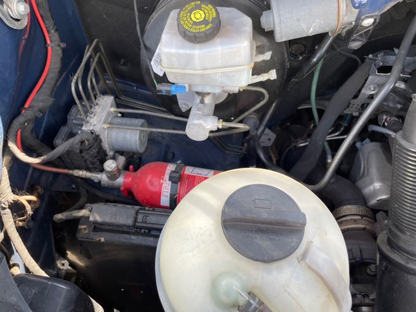 Mercedes Sprinter with fire extinguisher for the engine  bay