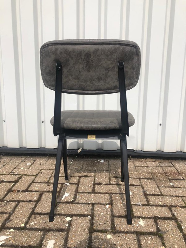 dining chairs / cafe chairs
