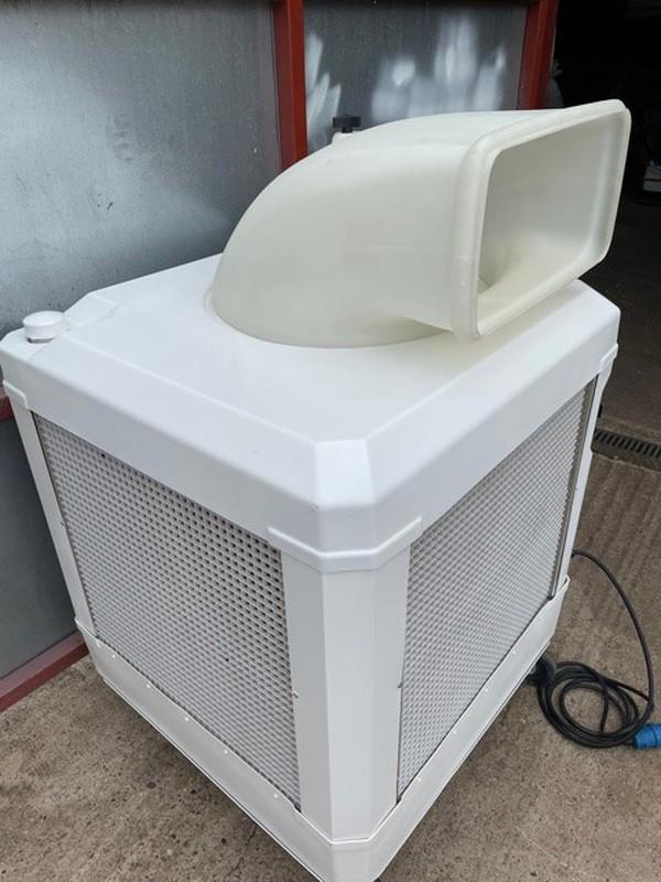 Space cooler Evaporative