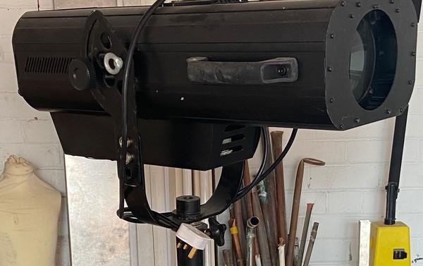 Spot Lamp Tri-Pod.