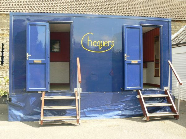 Navy Blue 2+1 Luxury Toilet Trailer - Northants 1