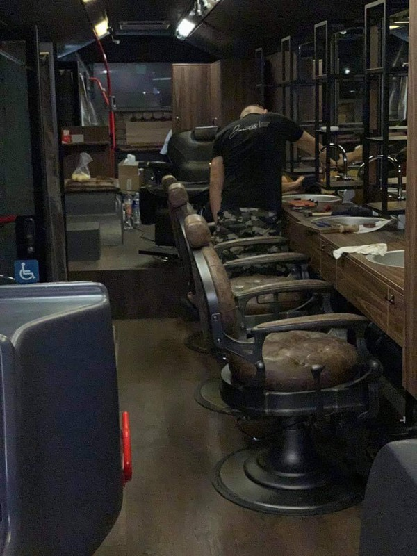 Barber shop in a bus with 4 chairs