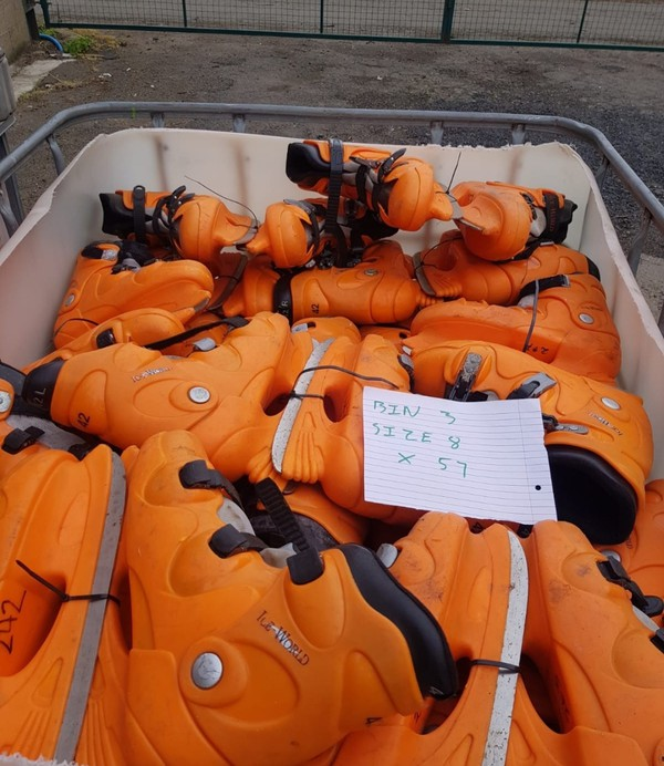 Ice World Ice skates size 8 x 57 pairs