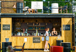 20ft Fully Equipped Shipping Container Bar
