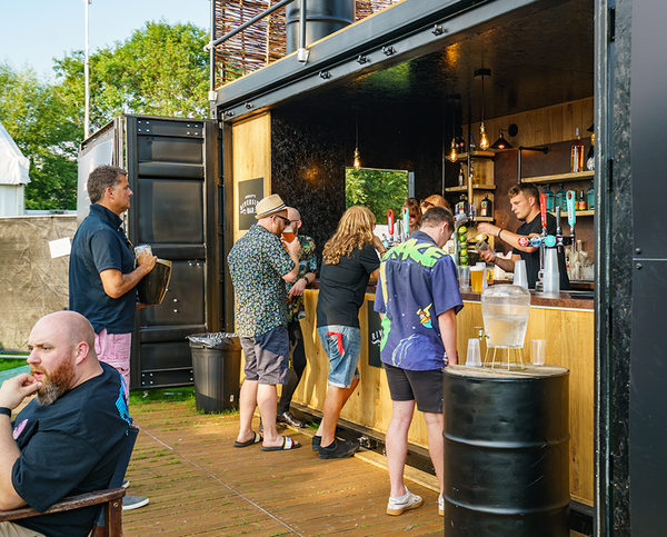 Second Hand 20ft Fully Equipped Shipping Container Bar