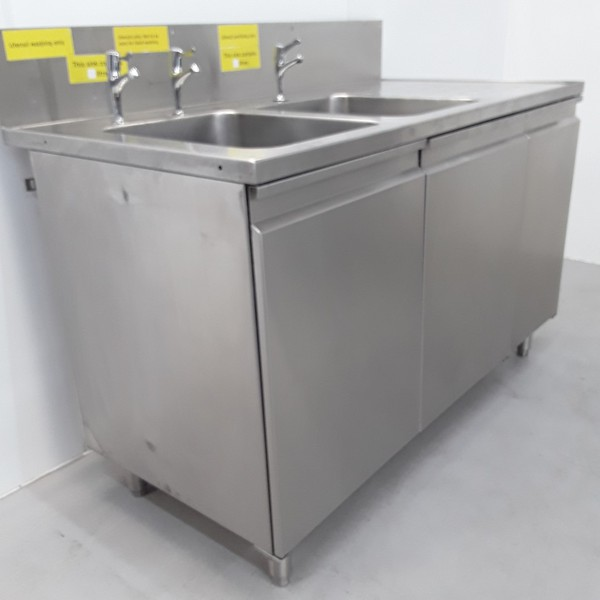 Commercial double sink