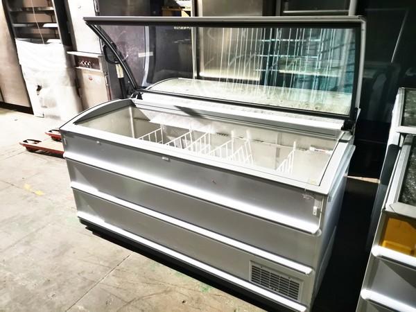 Used shop display freezer