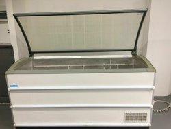 Novum 601L Curved Glass Lid Commercial Freezer