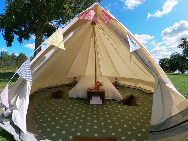 Secondhand glamping tents