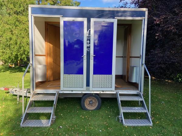 1 + 1 Luxury toilet trailer