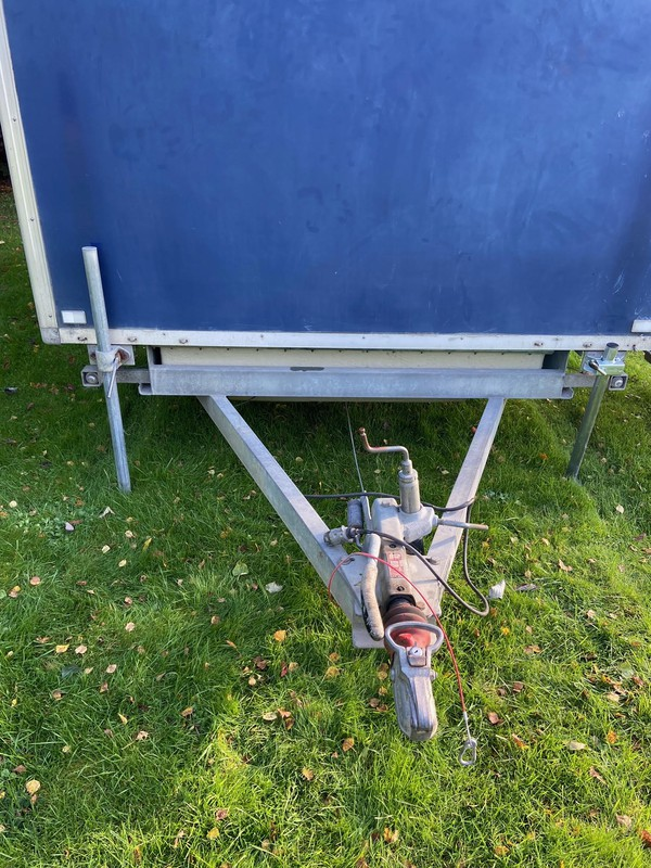 Toilet trailer with galvanised chassis,