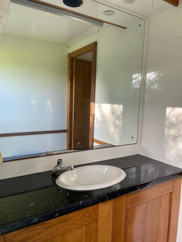 Wedding quality toilet trailer