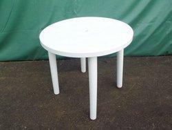 White plastic round tables