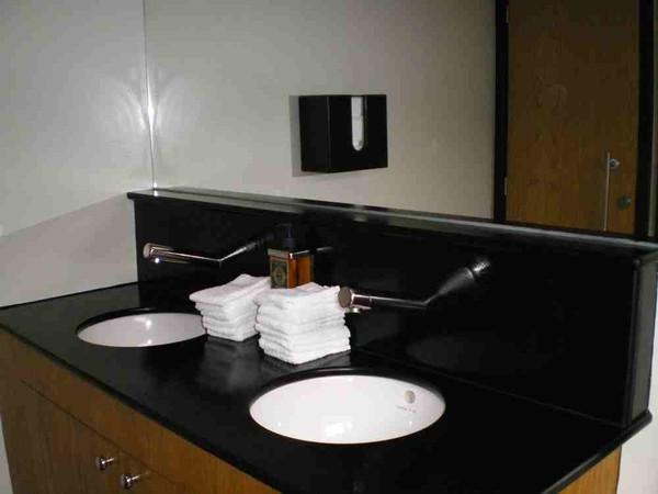 Portable wash rooms