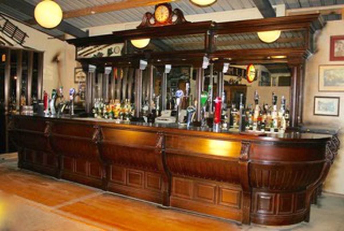 Secondhand Pub Equipment Reclaimed Bars Mahogany Bar
