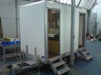 re circulating toilet trailer