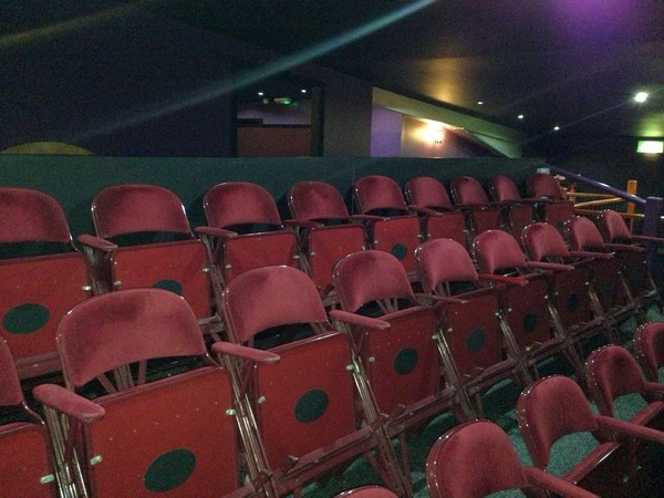 100 Metal Folding Theatre Cinema Style Interlocking Chairs