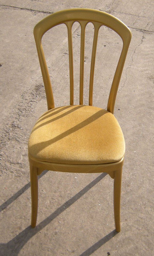 Gala gold banquet chairs with gold seat pad